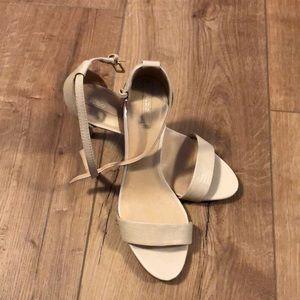 Aldo nude three inch shoes